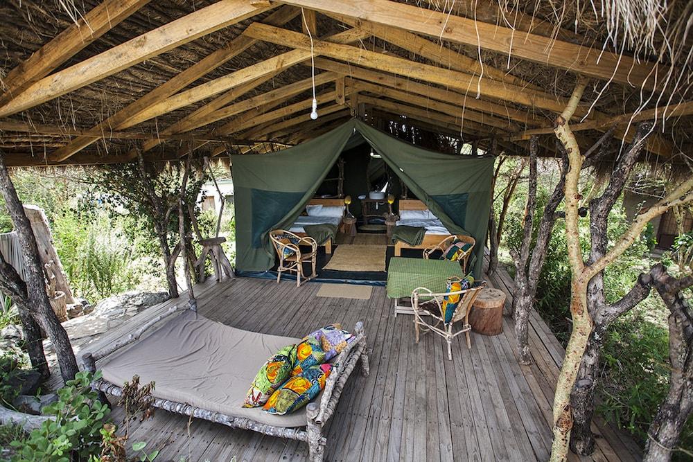 Tent (1)-min