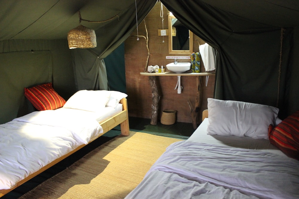 Tent (2)-min